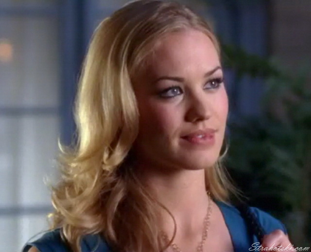 Sarah Walker getting the urge to kiss him