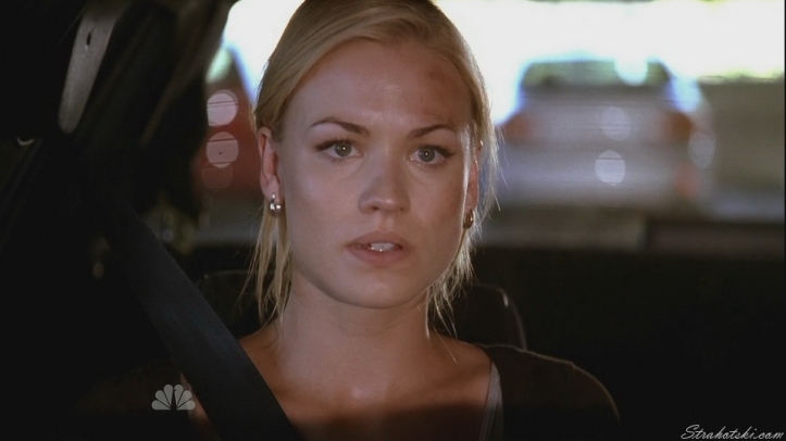 Sarah realizing Chuck is in the car in front of her.
