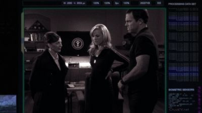 Beckman orders Casey and Sarah to make sure Chuck doesn't meet Orion