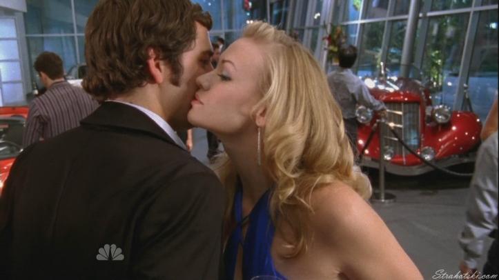 Chuck told Sarah abotu his flash
