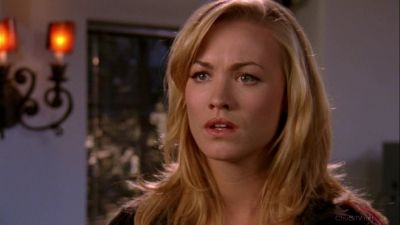 Sarah showing more and more emotions for Chuck in front of Beckman