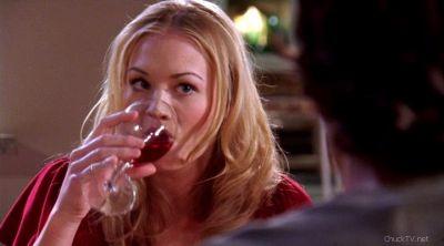 Sarah watching Chuck like a hawk