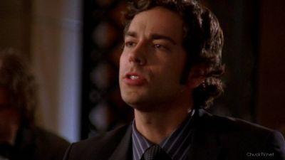 Chuck orders Sasha a martini