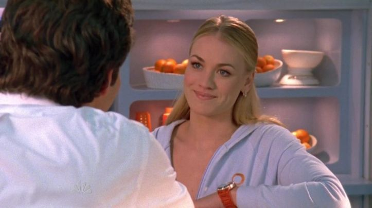 Sarah all smiles this time when seeing Chuck