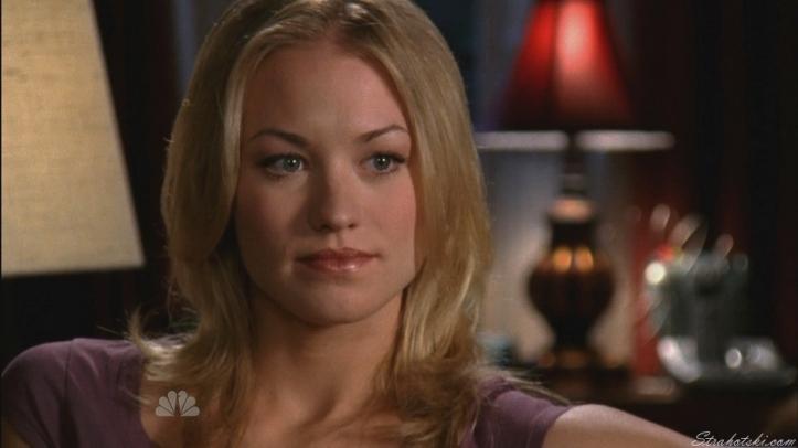 Sarah listening to Ellie dismantle Chuck