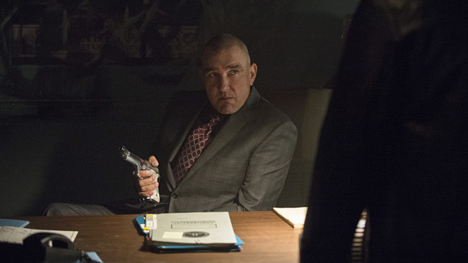 """Arrow -- """"Uprising"""" -- Image AR312A_0100b -- Pictured: Vinnie Jones as Danny """"Brick"""" Brickwell -- Photo: Cate Cameron/The CW -- © 2015 The CW Network, LLC. All Rights Reserved."""