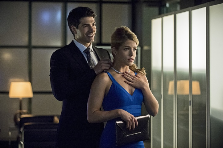 """Arrow -- """"Draw Back Your Bow"""" -- Image AR307b_0309b -- Pictured (L-R): Brandon Routh as Ray Palmer and Emily Bett Rickards as Felicity Smoak -- Photo: Cate Cameron/The CW -- © 2014 The CW Network, LLC. All Rights Reserved."""