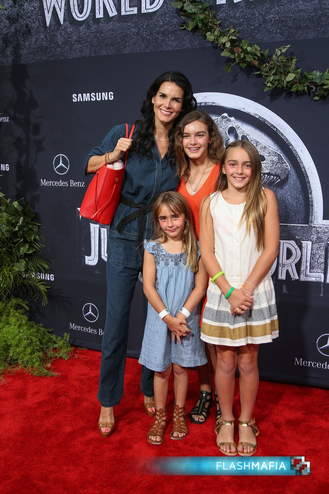 Angie-Harmon-kids-Jurassic-World-Premiere-TCL-Chinese-Theatre-Hollywood-California-June-9-2015